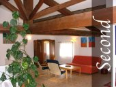 2nd floor vacation rental in Aude