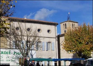 External shot of the bed and breakfast in Aude, South France
